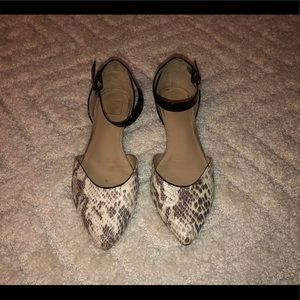 Dolce Vita dress flats